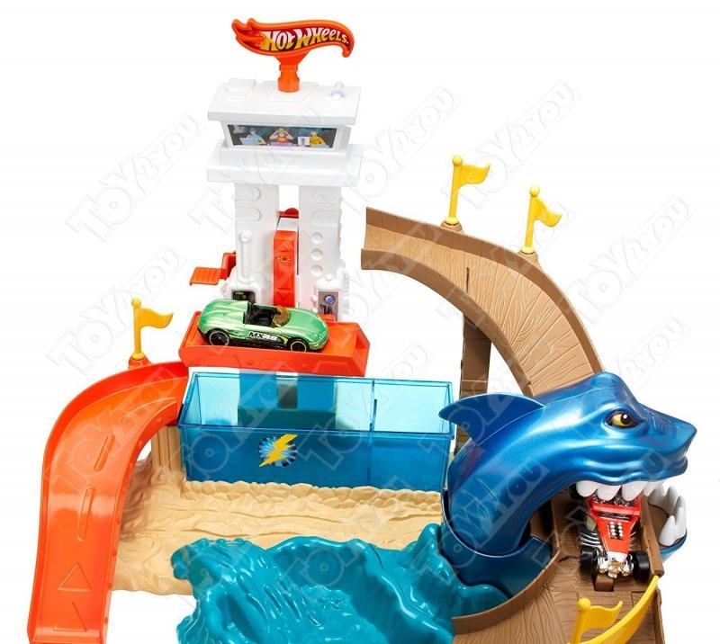 Трек Hot Wheels с акулой (машинка меняет цвет)